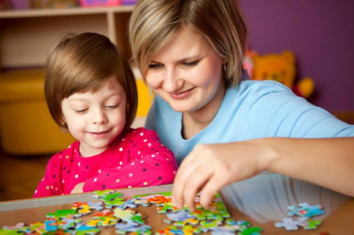 Описание: http://rb7.ru/system/images/image_links/268855/mom-daughter-puzzles.jpg